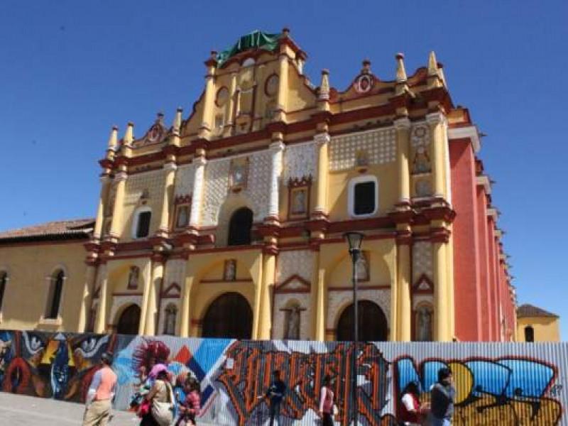 Persisten daños en cientos de monumentos tras sismo