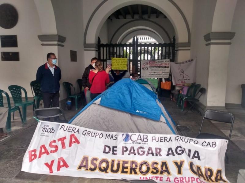 Mantienen plantón en Palacio de Veracruz