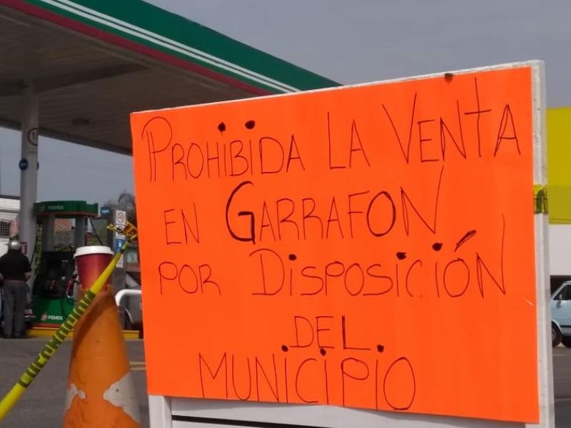 Mantienen prohibida la venta de gasolina en garrafas