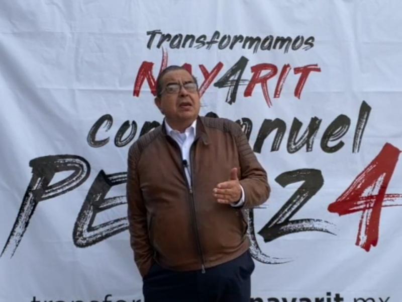 Manuel Peraza sigue en la pelea por la candidatura