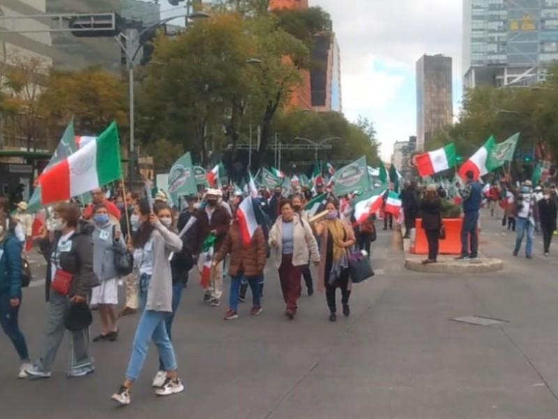 Marcha de FRENAAA comienza en forma pacífica