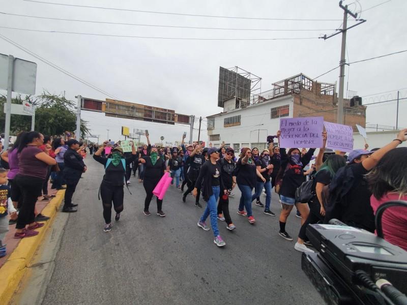 Marcha histórica en La Laguna: mujeres exigen justicia y equidad