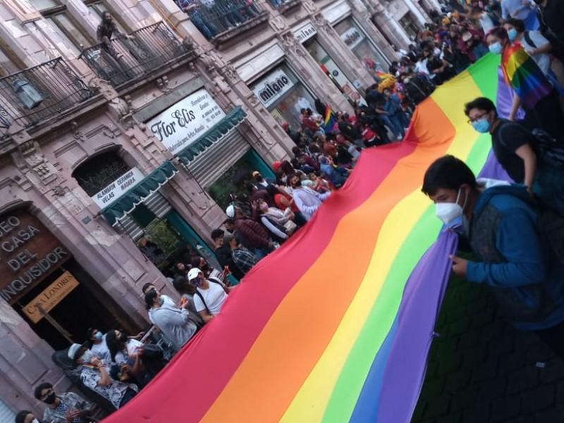 Marchan colectivos LGBTTTIQ+ en Zacatecas
