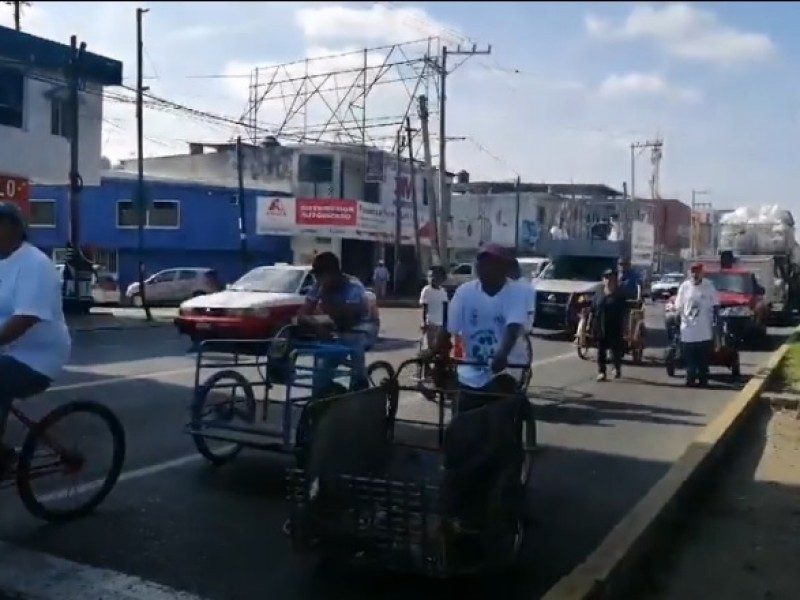 Marchan chatarreros en Poza Rica