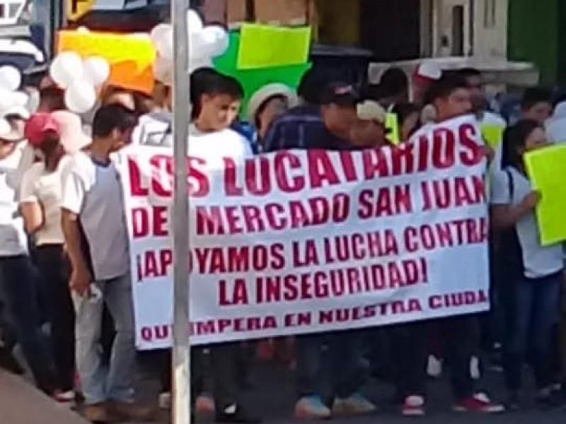 Marchan ciudadanos para exigir seguridad en Tapachula