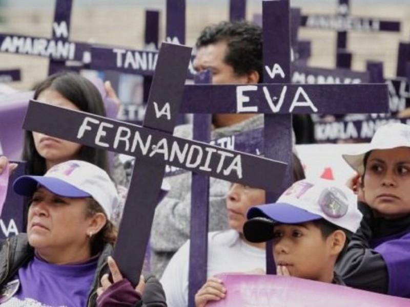 Marchan contra feminicidios en la Ciudad de México