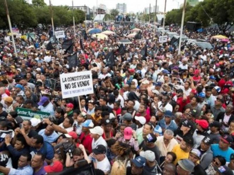 Marchan contra reelección en República Dominicana