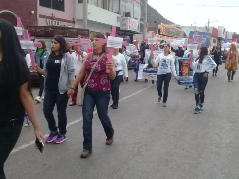Marchan en Guaymas por las que