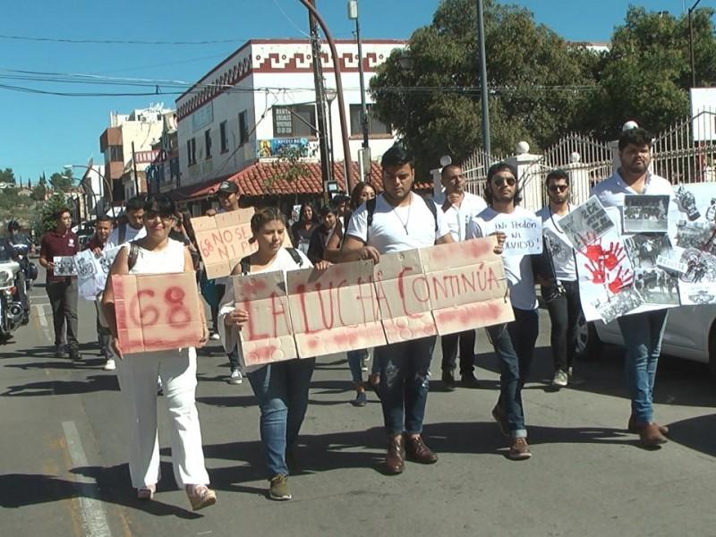 Marchan jóvenes nogalenses por estudiantes fallecidos en 1968