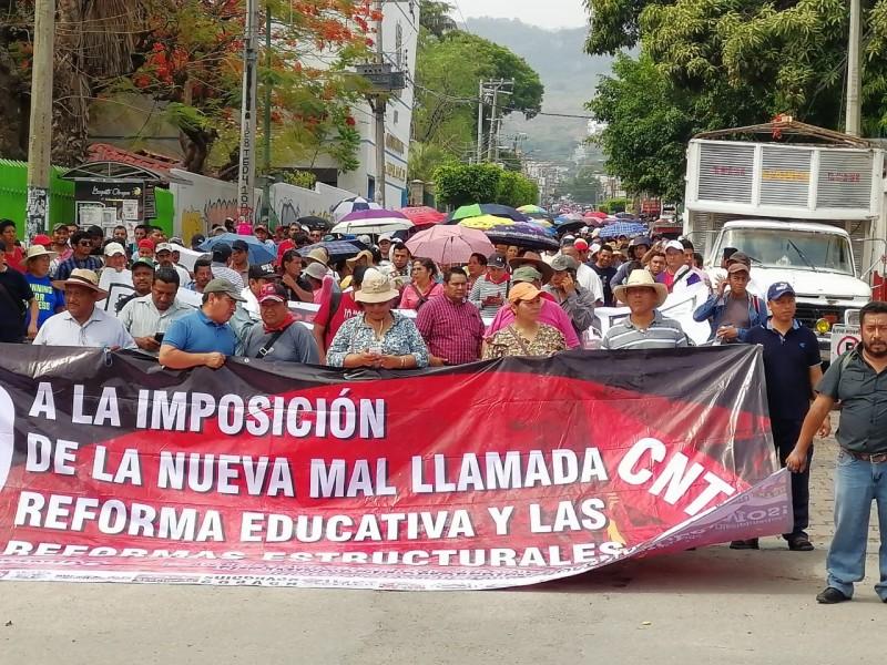 Marchan maestros de la CNTE concluye paro