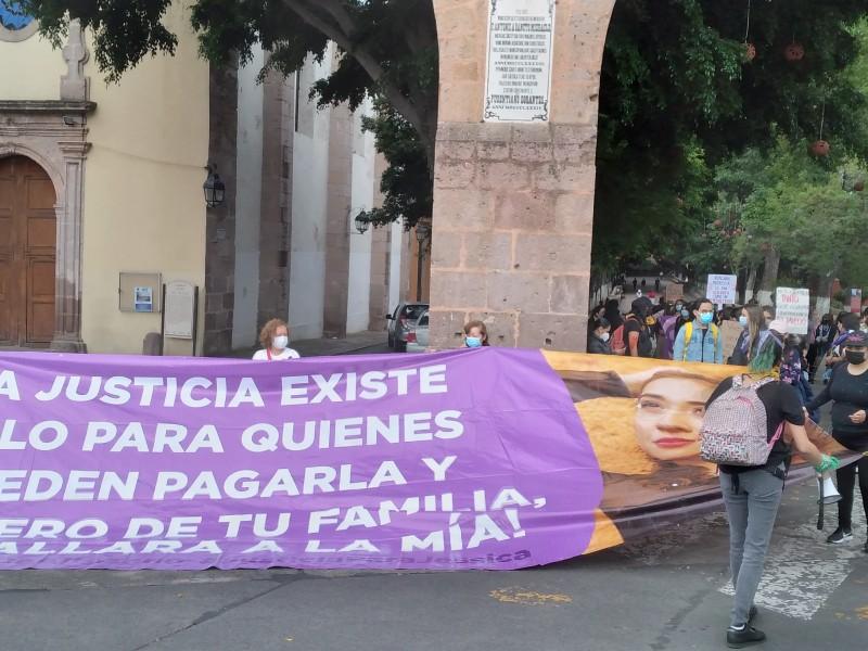 Marchan mujeres contra persistencia de feminicidios en Michoacán