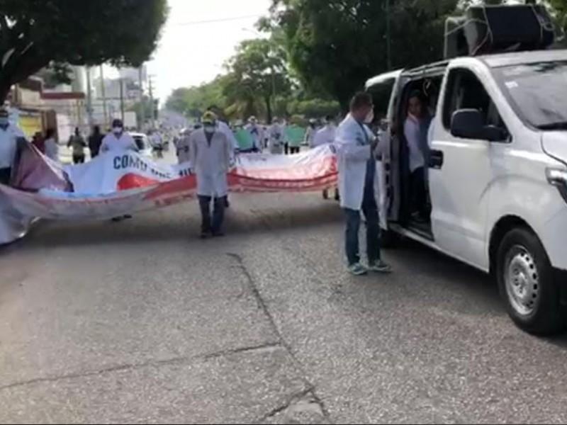 Marchan nuevamente para pedir libertad de Médico Yuca