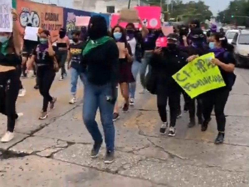 Marchan para exigir justicia por feminicidios en Chiapas