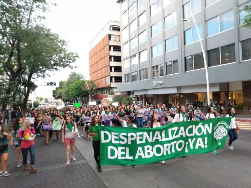 Marchan por aborto libre y seguro en Guadalajara