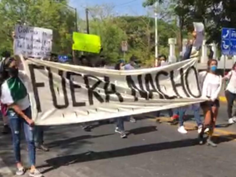 """Marchan """"por la paz y justicia"""" exigen renuncia del gobernador"""