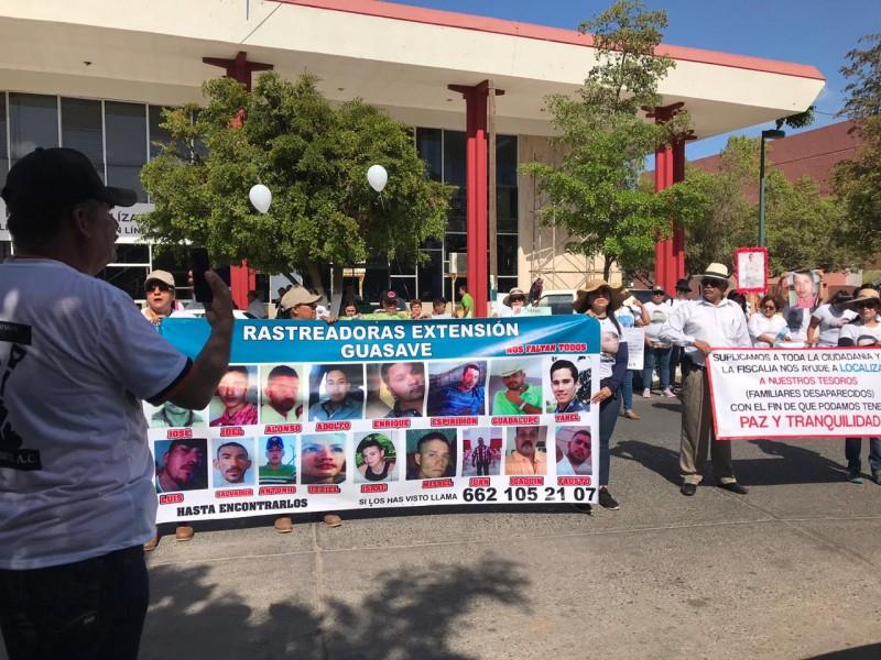 Marchan Rastreadoras, piden conocer paradero de sus hijos