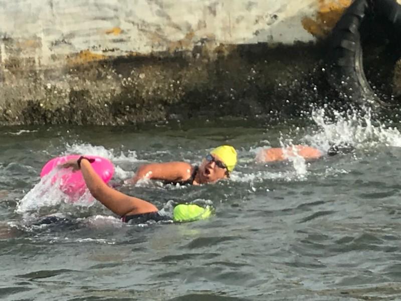María Esther inicia entrenamiento en aguas abiertas