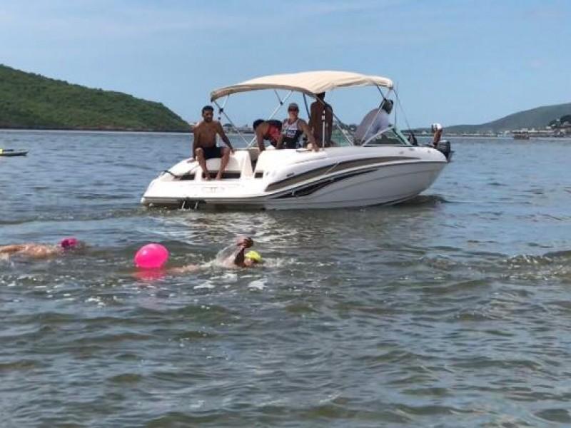 📹María Esther nadando cruza bahía contra Planta