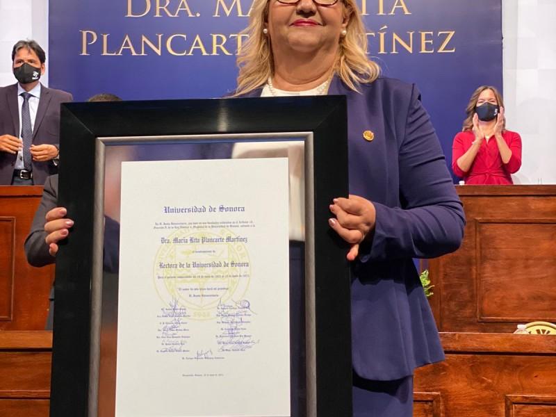 María Rita Plancarte rinde protesta como Rectora de la Unison