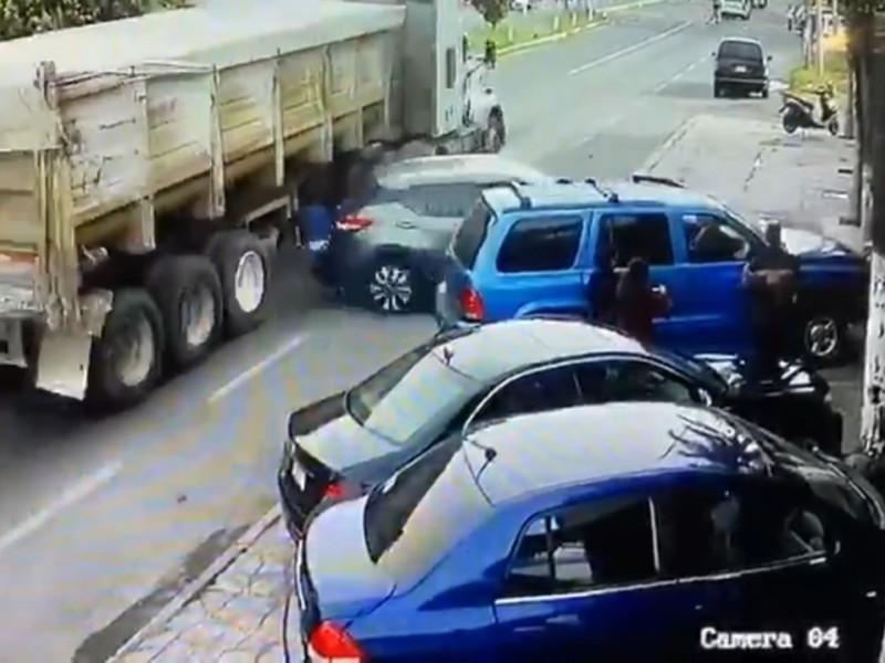 Mariachi pierde la vida al ser atropellado por un camión
