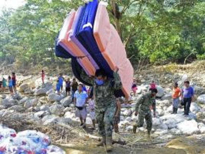 Marina distribuye ayuda humanitaria en Chiapas y Tabasco