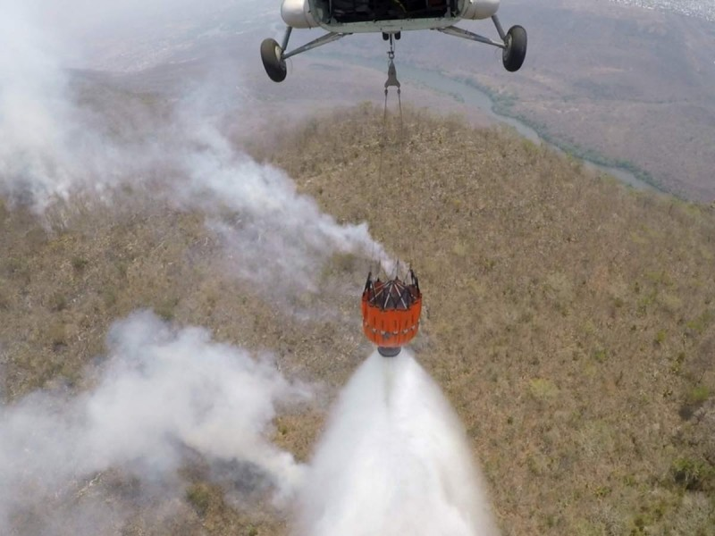 Marina y Comisión Nacional Forestal combaten incendios en Chiapas