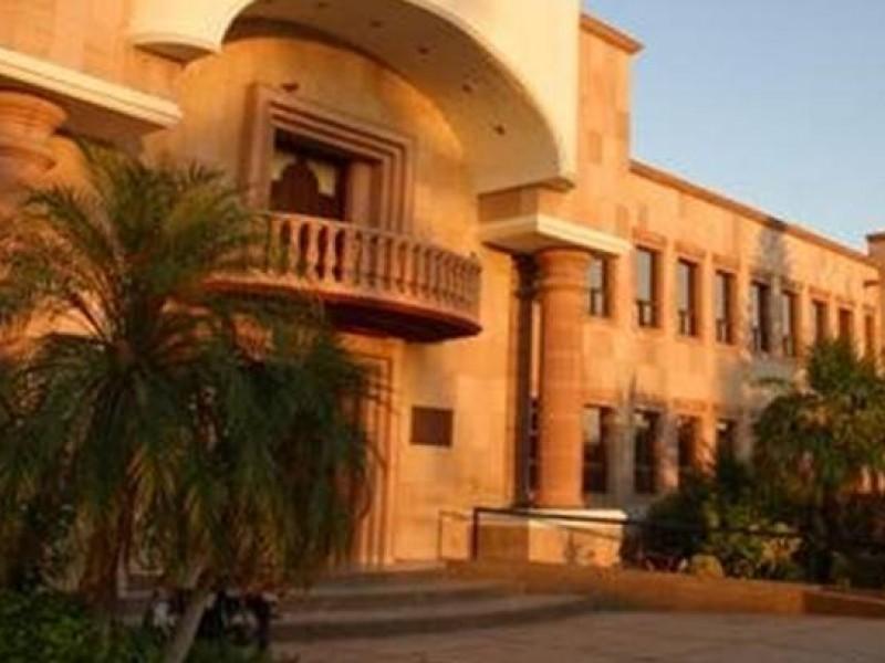 Mariscal Alvarado busca reducir la estructura municipal en el 2021