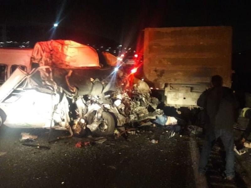 Más de 10 muertos deja accidente en Ecatepec
