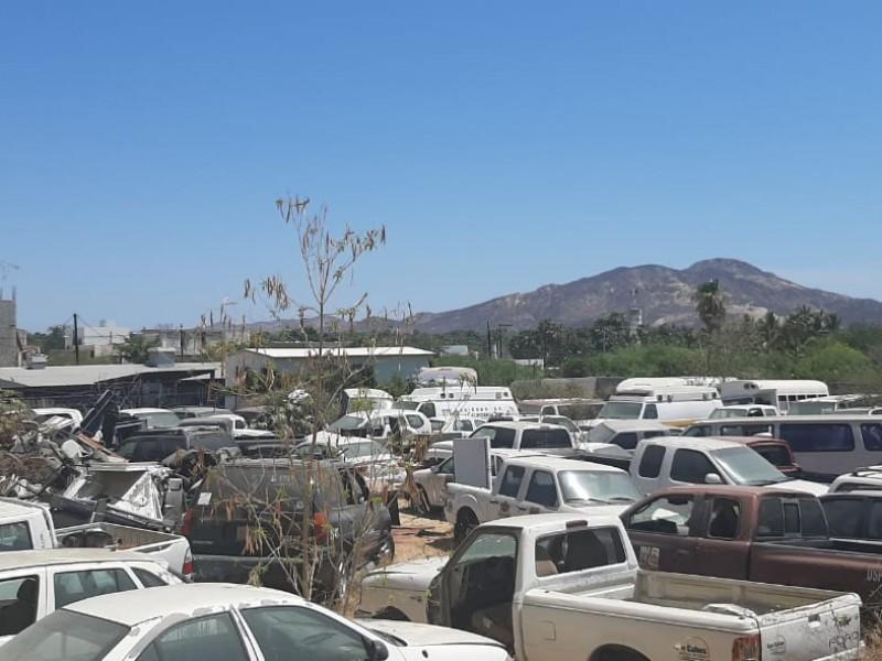 Más de 100 vehículos municipales esperan ser rematados
