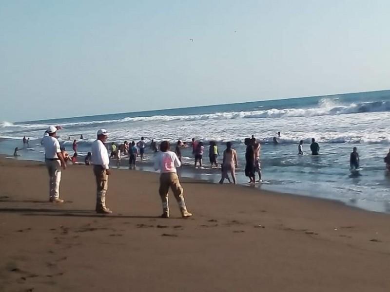 Más de 12 mil paseantes en Puerto Arista.