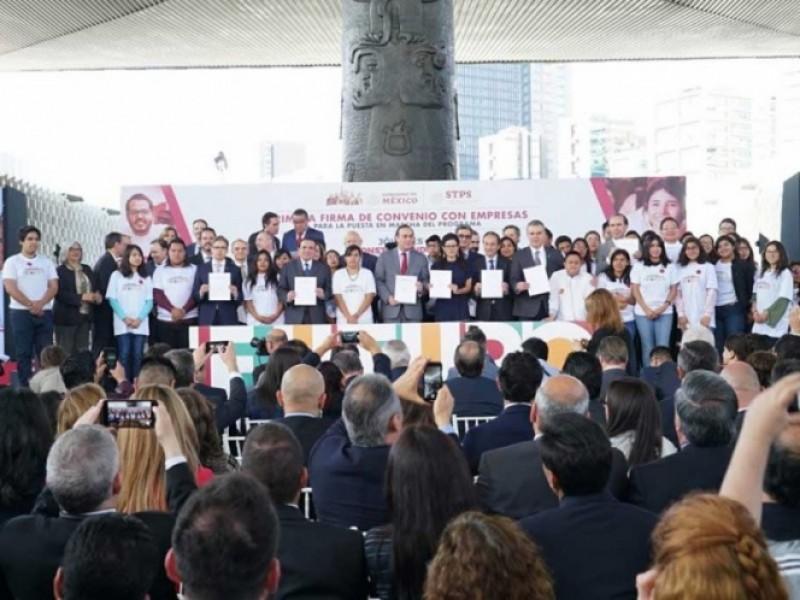 Más de 200 empresas darán empleo a jóvenes