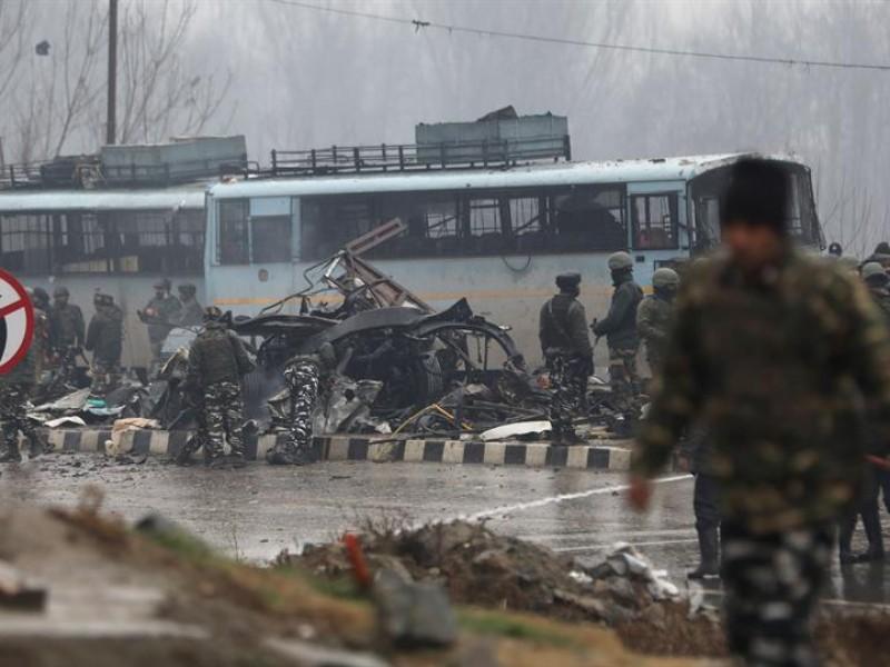 Más de 30 muertos en atentado en Cachemira