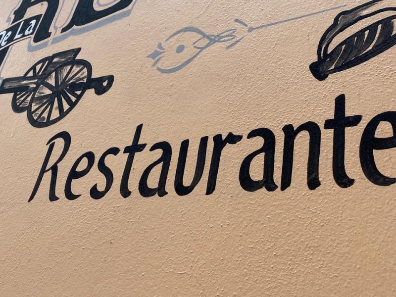 Más de 30 unidades restauranteras han cerrado por crisis económica