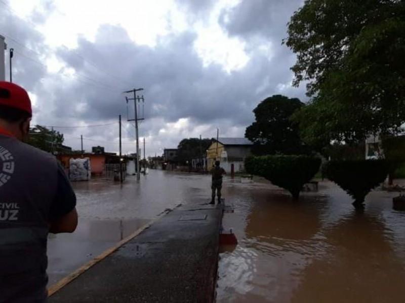 Más de 40 comunidades en el sur de Veracruz incomunicadas