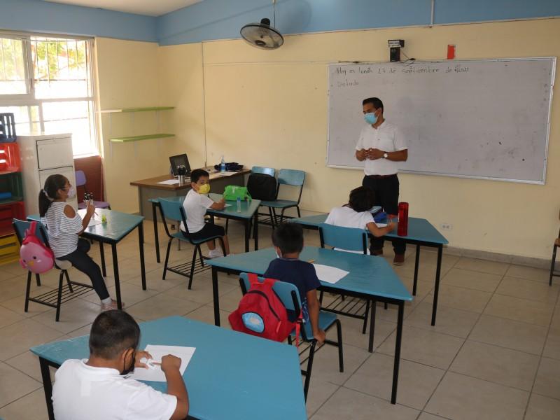 Más de 400 escuelas de nivel básico con clases presenciales