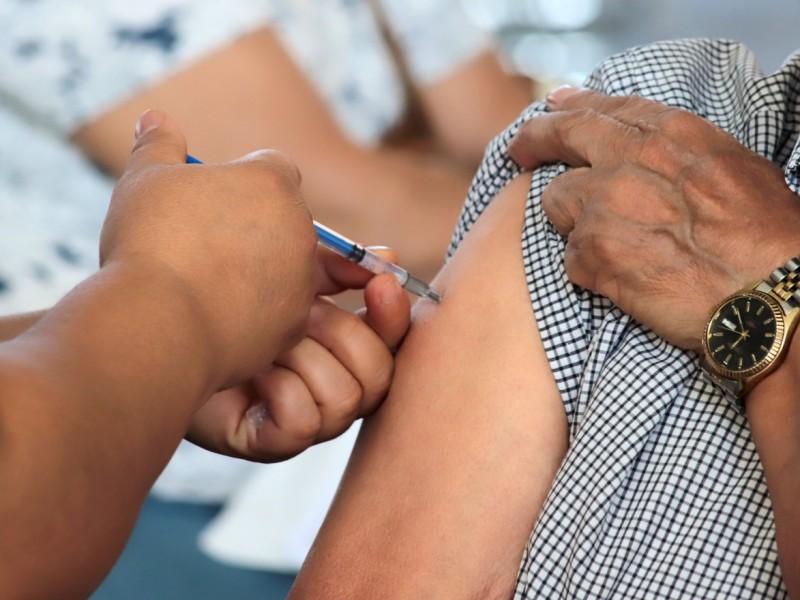Más de 484 mil adultos mayores vacunados en Michoacán