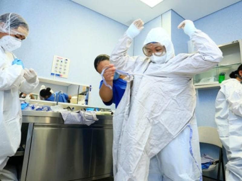 Más de 7,000 trabajadores de salud contrajeron COVID-19 en Puebla