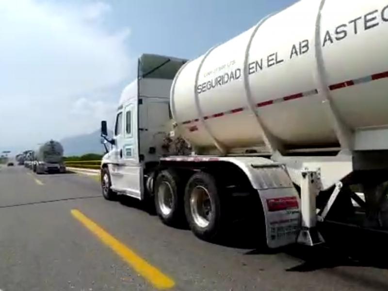 Más de 800 mil litros de combustible varados en bloqueo