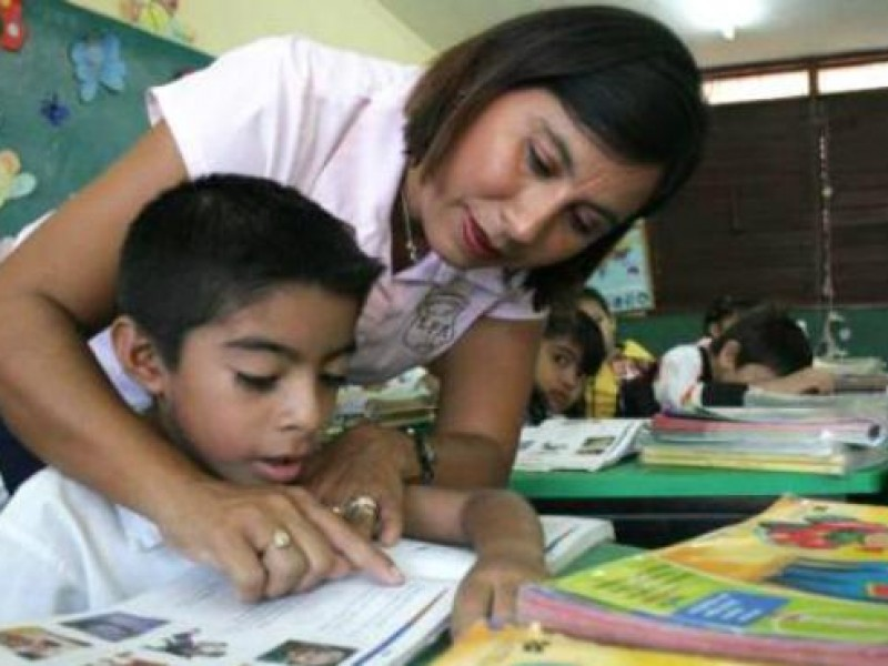 Más de dos millones son maestros en México