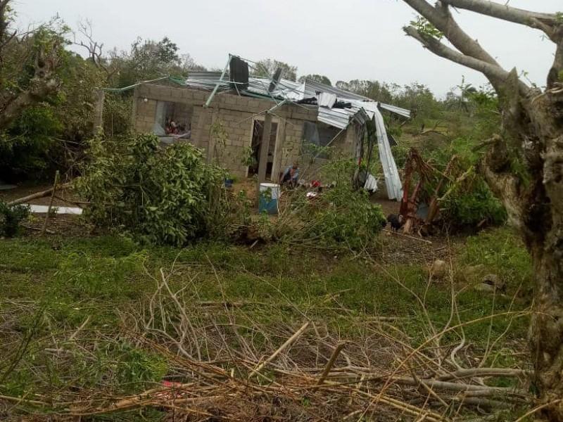 Más de mil casas destechadas en Tuxpan