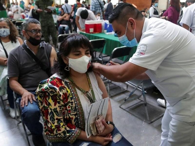 Más del 50% de los mexicanos no se han vacunado