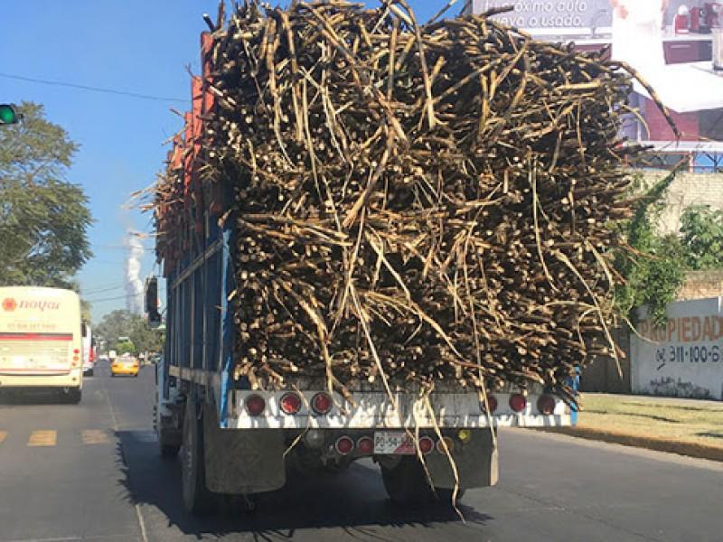 Más del 80% de camiones de carga opera sin conseción