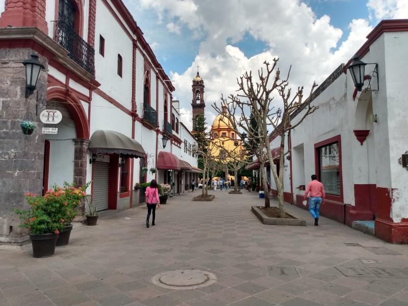 Más negocios de Jiquilpan cierran por contingencia