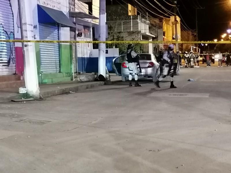 Matan a dos hombre y una mujer en jornada nocturna