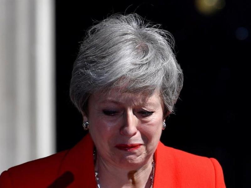 May dimitirá y abre sucesión en gobierno británico