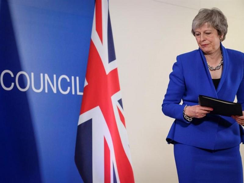 May pospone votación del Brexit