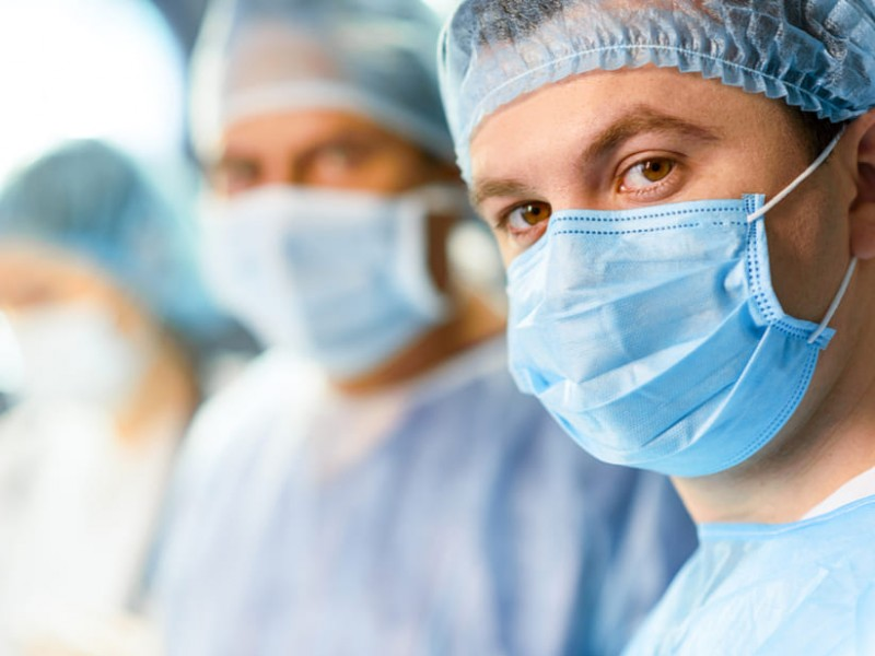 """Médicos """"cansados y decepcionados"""" por incredulidad ciudadana del Covid"""