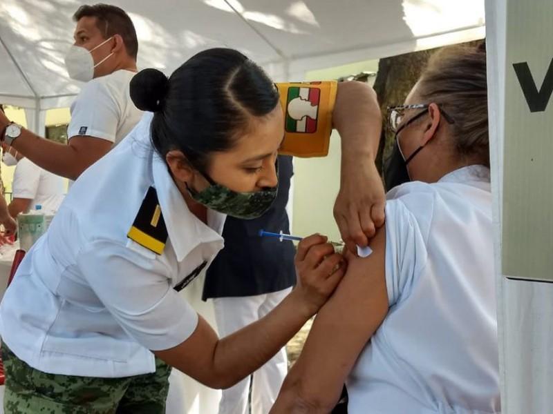 Médicos del sector privado piden ser vacunados