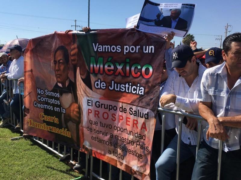Médicos prospera Jalisco piden al presidente su reinstalación