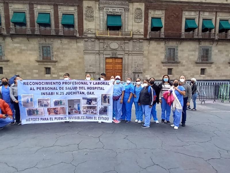 Médicos y enfermeras de Juchitán protestan en México